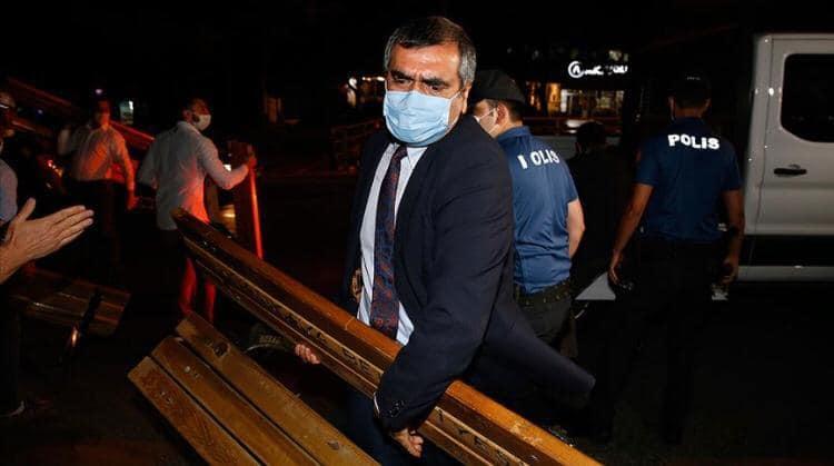 CHP'li Milletvekilleri Baro Başkanları için bank taşıdı